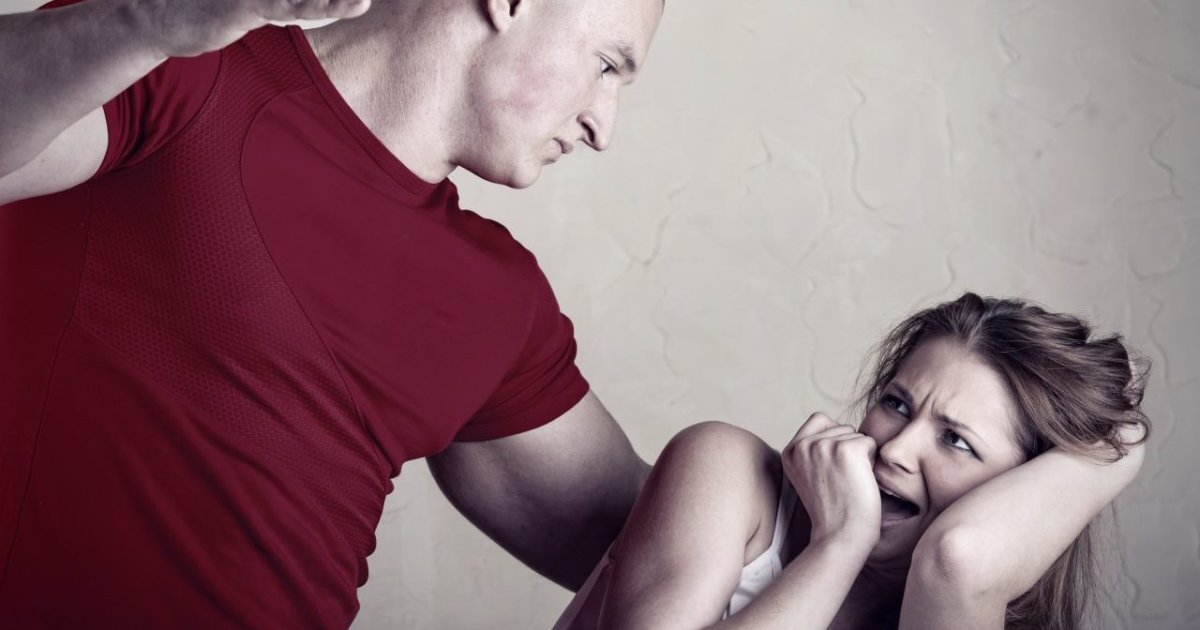 Секс при котором женщина избивает мужчину